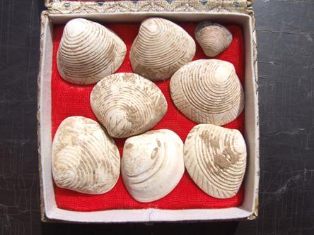距今约六千年,中国北方红山文化时期的东西。